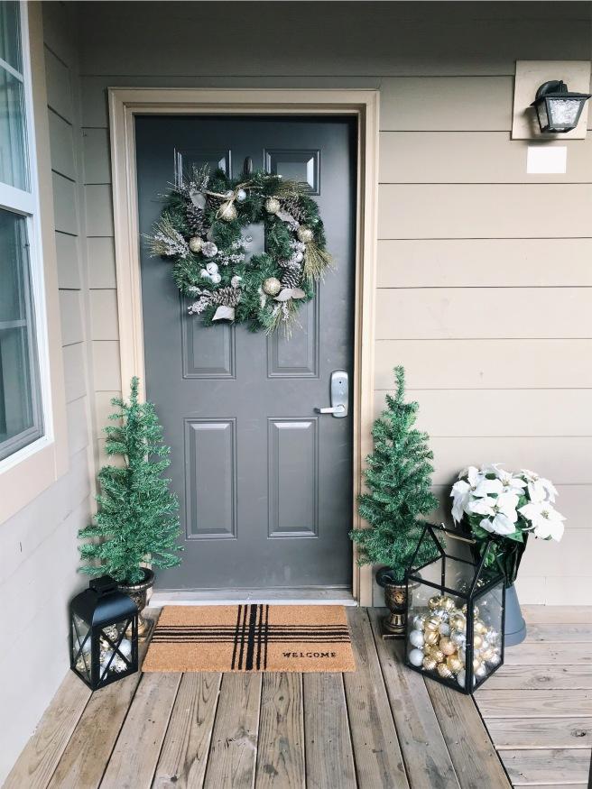 Christmas Doorway Unlit